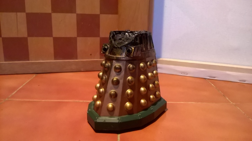 Custom Damaged Dalek Thay - depicting his remains following the battle in the theatre at the conclusion of Evolution of the Daleks