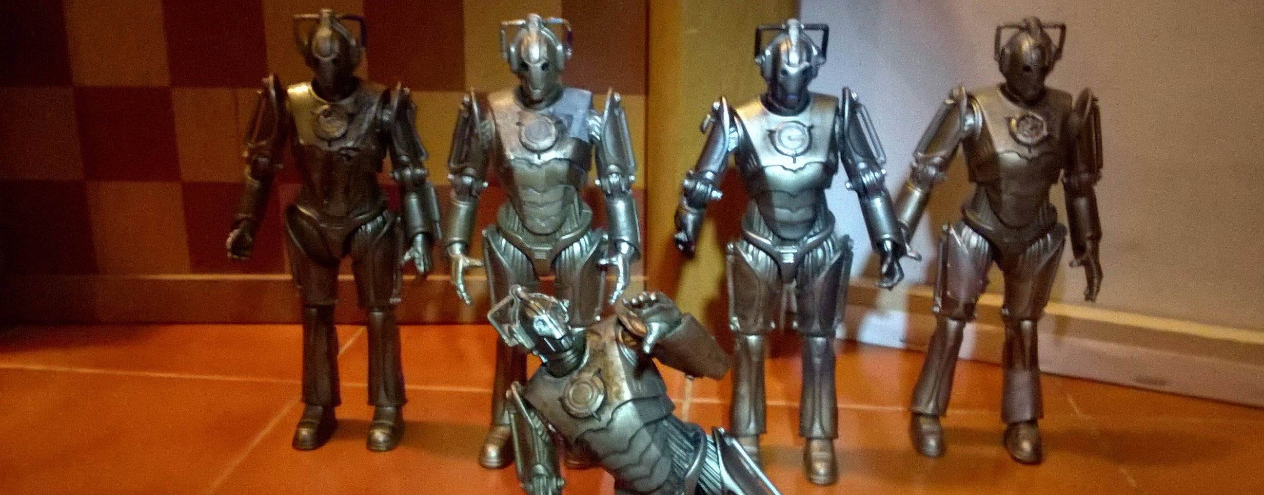 Damaged Cybermen Group