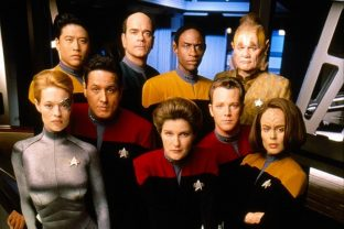 Star-Trek-Voyager-Season-4-Postere-nobyai3awks3woq3z1rcm86gr6wqlk8w24nn5mug3c.jpg
