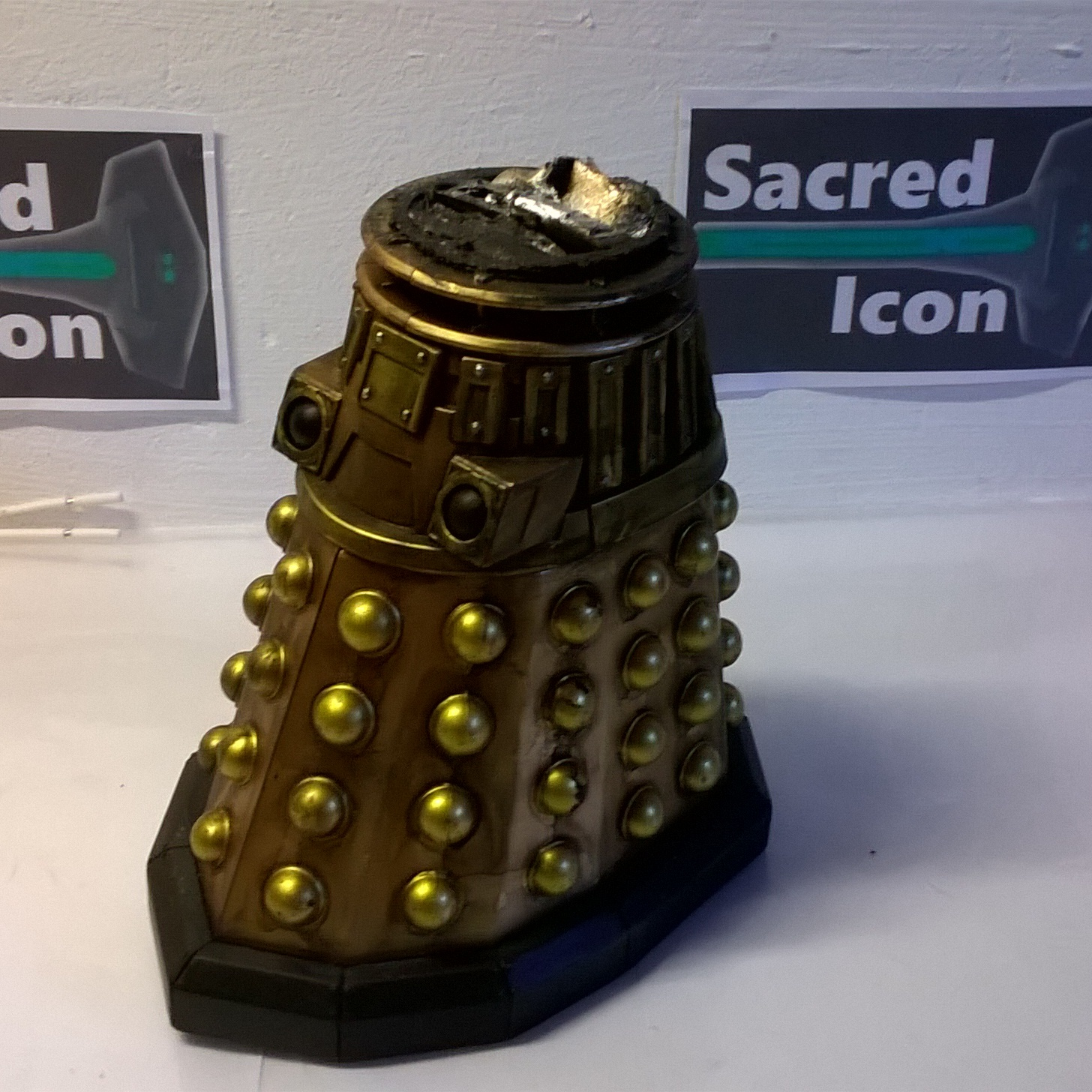 Custom Destroyed Time War Dalek missing the dome shown from another angle