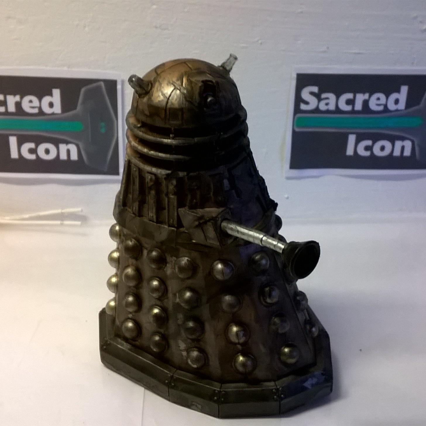 Custom Destroyed Time War Dalek with the eyestalk and gunstick removed